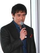 日本一高いビル「あべのハルカス」で岡田准一さん、阿部寛さんら新作映画会見