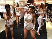 109ABENOで「CYBERJAPAN DANCERS」がセクシーなファッションショー