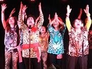 大阪の高齢アイドル「オバチャーン」、敬老の日にライブ