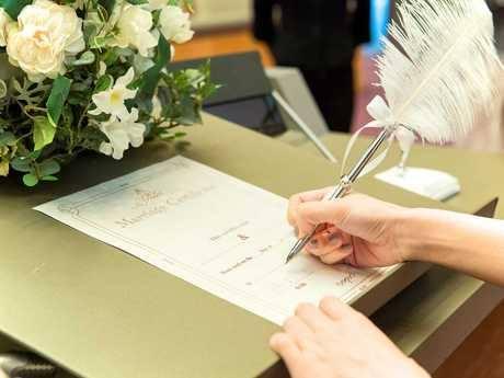足立区役所で結婚式 婚姻届提出時に挙式プレゼント