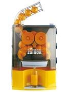 羽田の飲食店店頭にスペイン製全自動ジューサー、バレンシアオレンジ生搾り