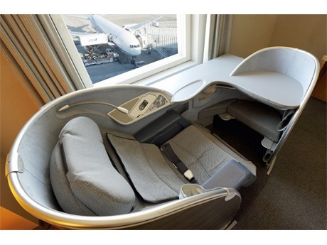 First-Class Seats in Remodeled Haneda Excel Hotel Tokyu Guestrooms