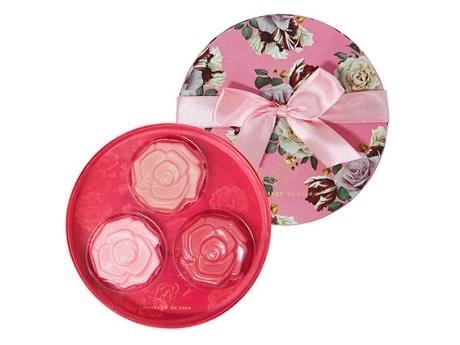赤坂のチョコレートショップにバラの形のバレンタイン商品 10種類以上を展開