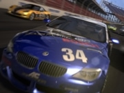 Xbox 360、秋葉原で発売前のレーシングゲーム試遊体験会