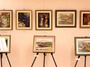 秋田で「押し花」アクセサリーアート展 県内50人の作品展示