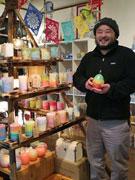 秋田のキャンドル専門店「フレイムストア」が1周年 手作り300点扱う