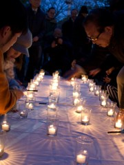 尼崎で震災追悼イベント キャンドル前に「風化防止と防災意識の強化」誓う