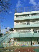 蔵前小学校が現校舎で最後の児童展覧会 地元建築家の協力も