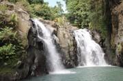 アニキが飛び込んだあの滝も 映画「神様はバリにいる」ツアー始まる