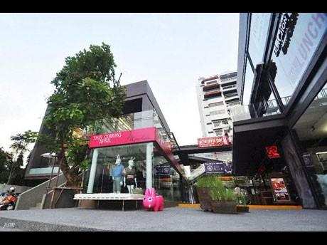 バンコクに新複合商業施設「SEENSPACE 13」-トンロー13にオープン