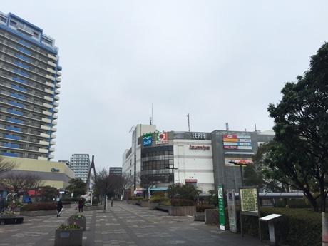 千葉「イズミヤ検見川浜店」26年の歴史に幕 閉店セール始まる