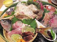新島定置網によってあがった海鮮を試験的に提供
