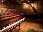調布・築90年の米蔵が音楽堂に 同じ年のグランドピアノとの出会いで