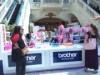 ドバイでピンクリボン運動 ブラザー現地法人主催、縫い物で乳がん啓発