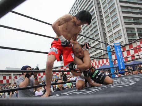 船橋オートで格闘技イベント ...