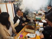 京都・長岡京に関西初の「テント牡蠣小屋」 駅前更地活用で若手起業家らが開業
