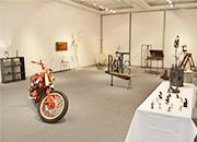 浜松で鉄アートの展示会 30点以上の鉄作品が会場狭しと並ぶ
