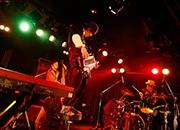 浜松でピアノジャズトリオ「H ZETTRIO」ライブ 楽しく踊れるステージ披露