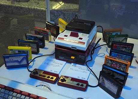 浜松科学館で「科学の進歩」テーマに30周年展 初期型ファミコンも