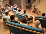 飛騨市図書館で官能小説朗読ライブ 市内外から70人、市長も駆け付け