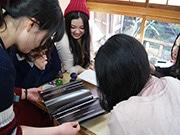 東大阪・石切参道で「刀剣女子会」 月1開催、刀剣乱舞ファン交流の場に