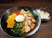 東大阪・布施の「二星らーめん ららら」が2周年 あっさりめの煮干しラーメン