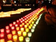 枚方・岡東中央公園で恒例の平和イベント 約1万個のキャンドルにあかりともす