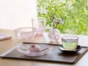 弘前城の桜をイメージした「津軽びいどろ」 ハンドメードのガラス
