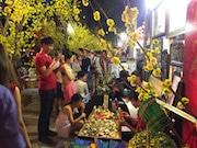ベトナムのテト(旧正月)、富を象徴する贈答品人気に  猿に関する商品も