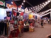 ホーチミンのコンテナ市場が地元若者に人気 万国旗飾り外国人客に「ふるさと感」演出