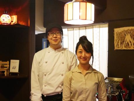 奥神楽坂にレトロ喫茶「茶店×洋食ORihon」 折り本所を改築