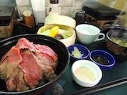 池袋に「焼ローストビーフ丼」専門店 ごまダレなど味のバリエーション多彩に