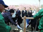伊勢志摩旅行の安倍昭恵首相夫人、プライベートでも住民と積極的に交流