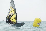 竹富町小浜島でウインドサーフィントヨタカップ 全国からトップクラスが集結