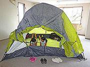 ビルの空き室で親子キャンプ、金沢・広坂商店街が夏休み企画