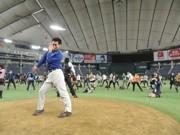 東京ドームでジョジョ立ちイベント-ジョジョラー500人が集結