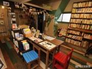 門司港の古書店「シマネコブックストア」 会社員らが週3日営業、客層広げる