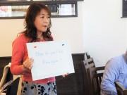 川越のカフェで「おもてなし接客英会話」教室 地元店店主ら参加