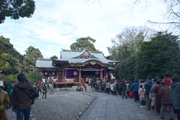 吉祥寺の氏神様「武蔵野八幡宮」に初詣の列 今年は3日もにぎわい