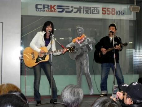 ビリー諸川さんと娘のLIKAさんによる「父娘スペシャルライブ」 - 神戸経済新聞