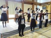 高知の中学生が歌とダンスで地元PR 織田哲郎さんがオリジナルソング作曲