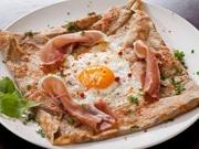 高知にニワトリカフェ「Cafe Ayam」 「土佐ジローの卵」使ったガレット提供も