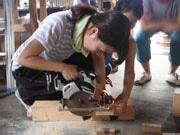 高知で「いえづくり教習所ワークショップ」 みんなで造る「タイニーハウス」