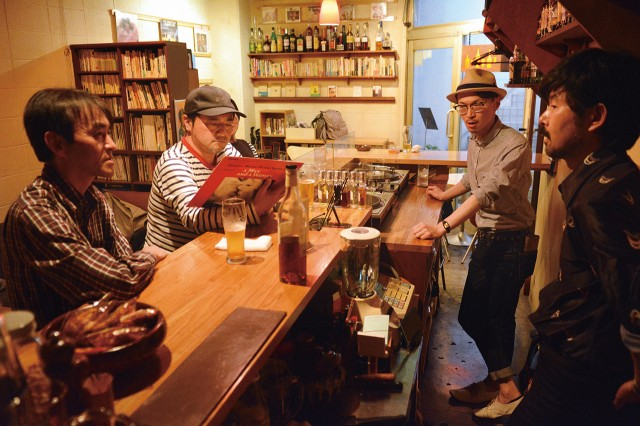 高円寺のカフェ&バー「コネクシオン」が10周年 阿波おどり中継やDJイベント人気に