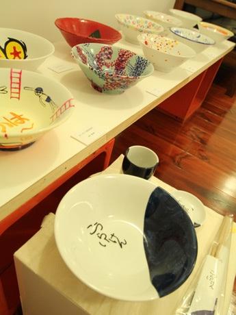 小倉の老舗ラーメン店「光来軒」、丼デザインでクリエーター12人とコラボ