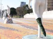 小倉「太陽の橋」上のモニュメントに靴下 何者かが脱がす