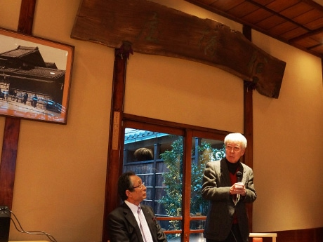 亀戸船橋屋でトークショー 作家・吉川英治さんの息子が登壇