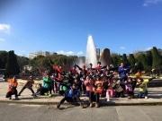 大阪城公園クリーンランでヒーロー33人、33色のTシャツで集合