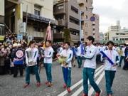 箱根V3青学大、淵野辺で「凱旋」パレード 3万人が祝福