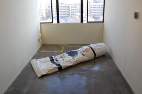 女子美アートセンター準備室に展示する富井大裕さんのワークショップ作品(... 女子美アートセンタ